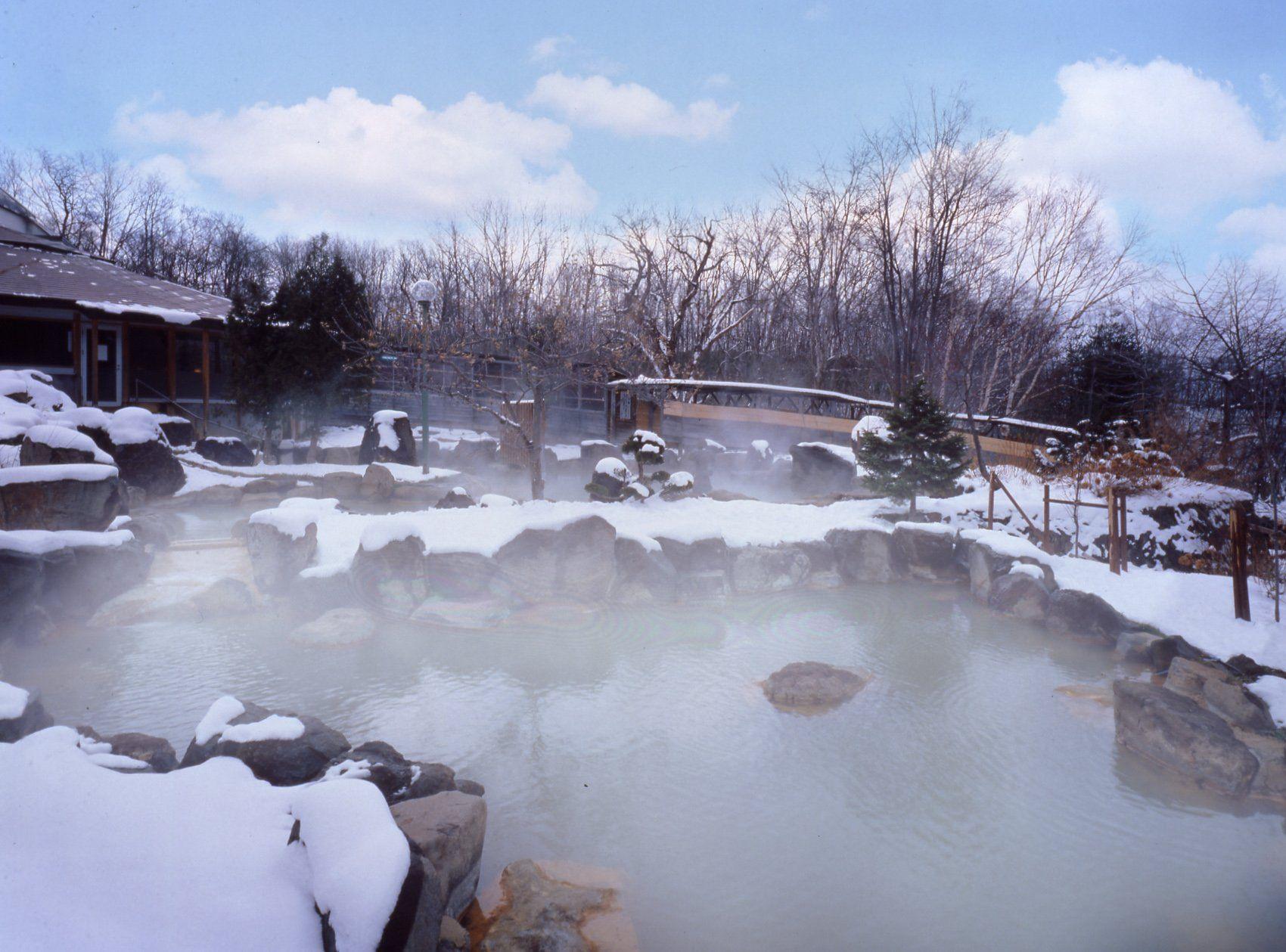 ニセコ温泉おすすめランキングTOP11!日帰りでも人気!秘湯もあり!