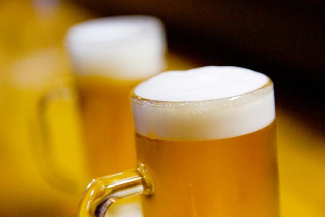 網走ビール『流氷ドラフト』が話題に!青いビールの味は?どこで買える?