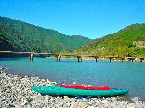 四万十川の観光満喫情報!宿泊や遊覧船など!橋やカヌーも楽しい!