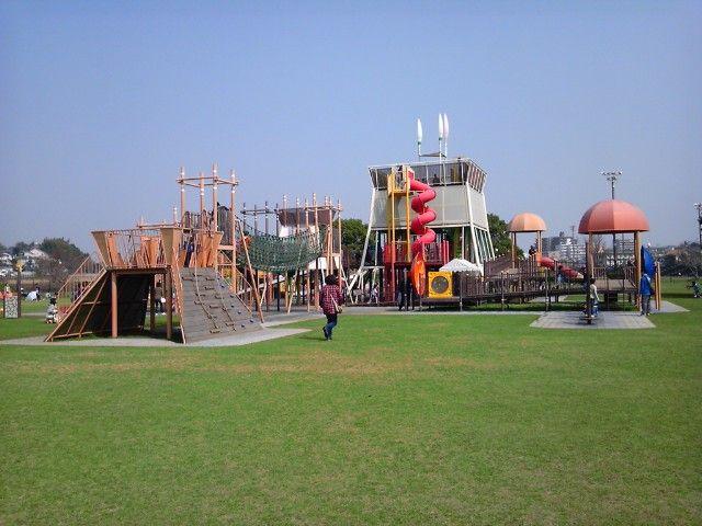 熊本の公園で子供と遊ぼう!坪井川公園などおすすめアスレチック遊具も