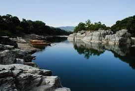 長瀞の岩畳が絶景!紅葉や川遊びがおすすめ!駐車場やアクセス方法も!