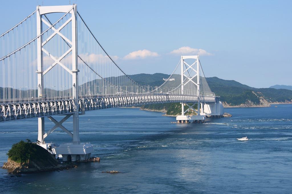 鳴門大橋へ観光!渦潮を真上から観てみよう!記念館や料金の情報も紹介!