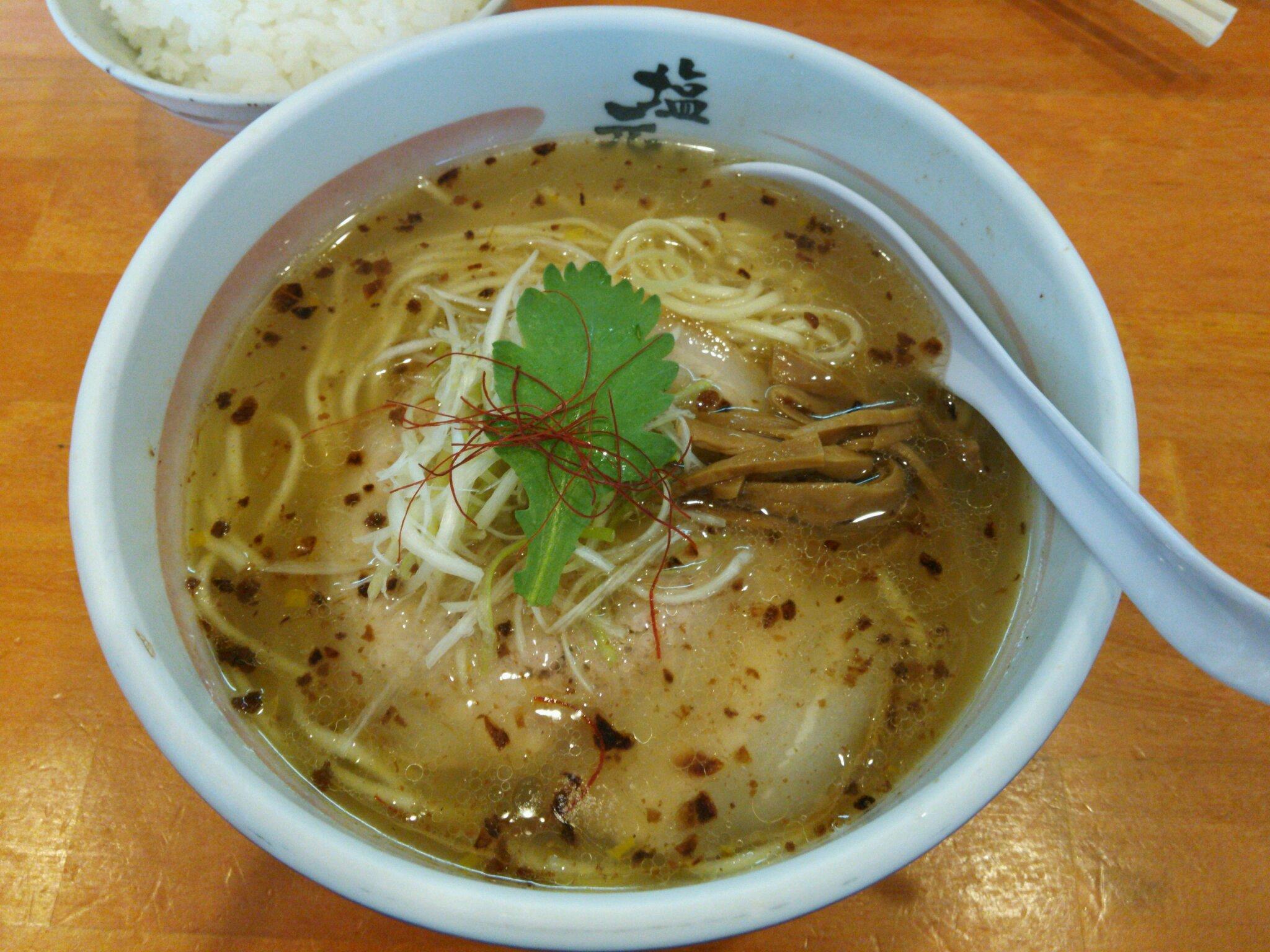 滋賀ラーメンランキングトップ21!人気店で深夜も食べたい!