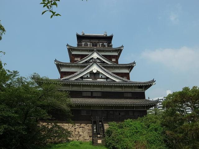 広島城の観光ガイド!アクセス・入場料情報やライトアップなどのイベントも!