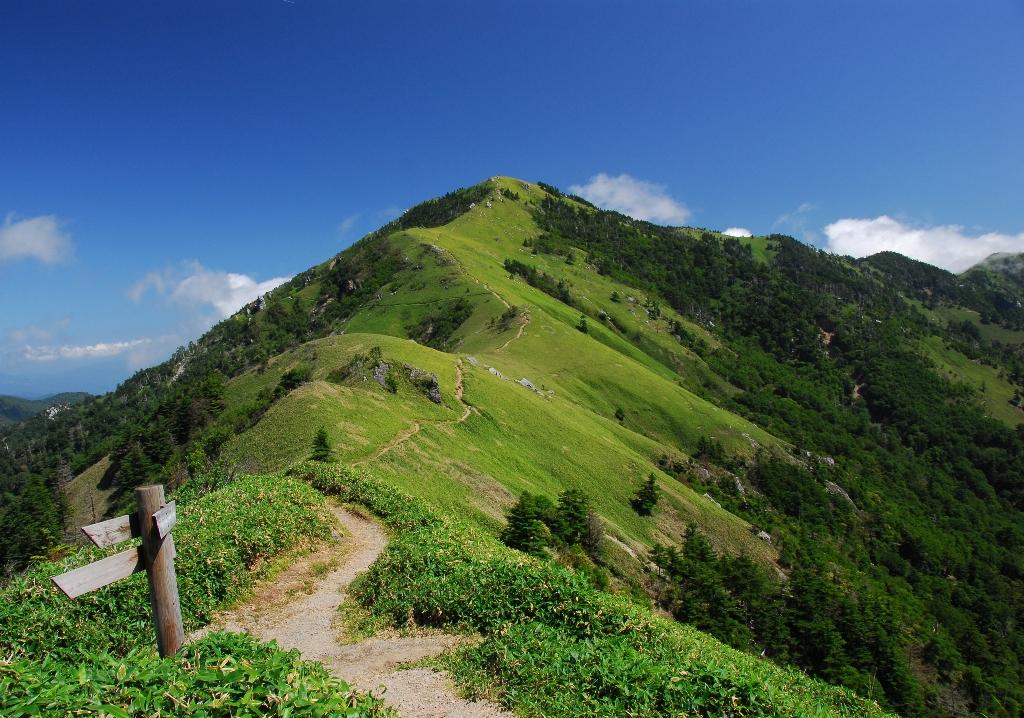 剣山登山のルートを紹介!リフトでアクセスも楽!周辺の観光スポットも紹介!