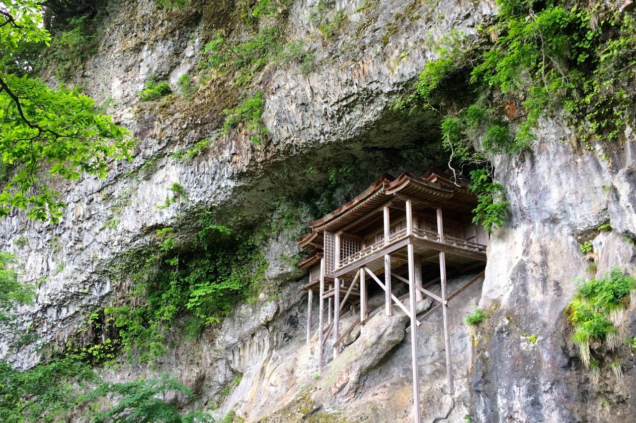 三徳山投入堂は日本一危険な国宝!参拝に登山が必要なパワースポットへのアクセスは?