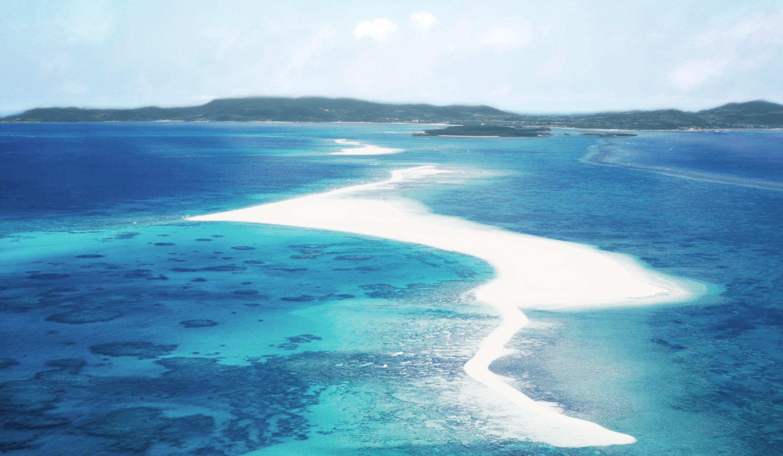 沖縄久米島の海でダイビング!人気の珊瑚が豊富なスポットもあり!