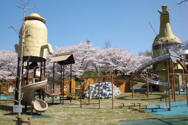 峰山公園は夜景で人気!はにわっこ広場で遊びや体験も!昼間は子供の天国!