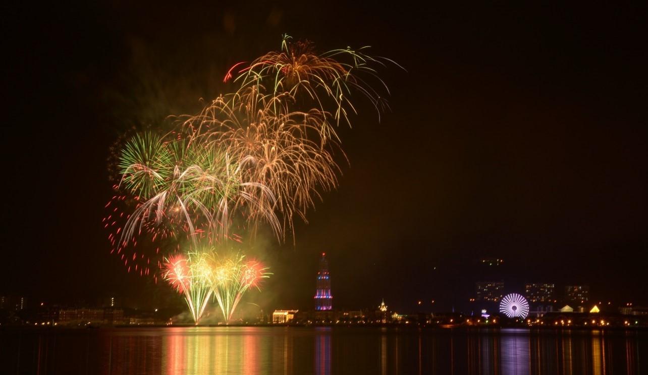 ハウステンボスの花火大会は毎日開催!楽しみ方や時間・穴場スポットを紹介!