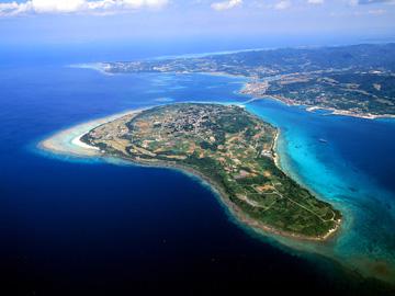 瀬底島のご紹介!観光にも最適!シュノーケルなどのマリンスポーツもおすすめ!