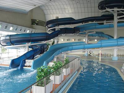 愛知県・プールランキング!人気のスライダーは子供から大人まで楽しめる!