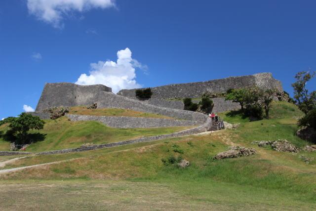 勝連城跡の歴史や見どころをご紹介!所要時間や料金はどのくらい?