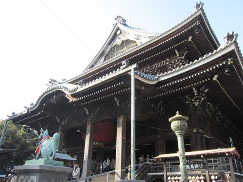 『豊川稲荷』へお参りに!周辺の神社で御朱印巡りや食べ歩きも楽しい!