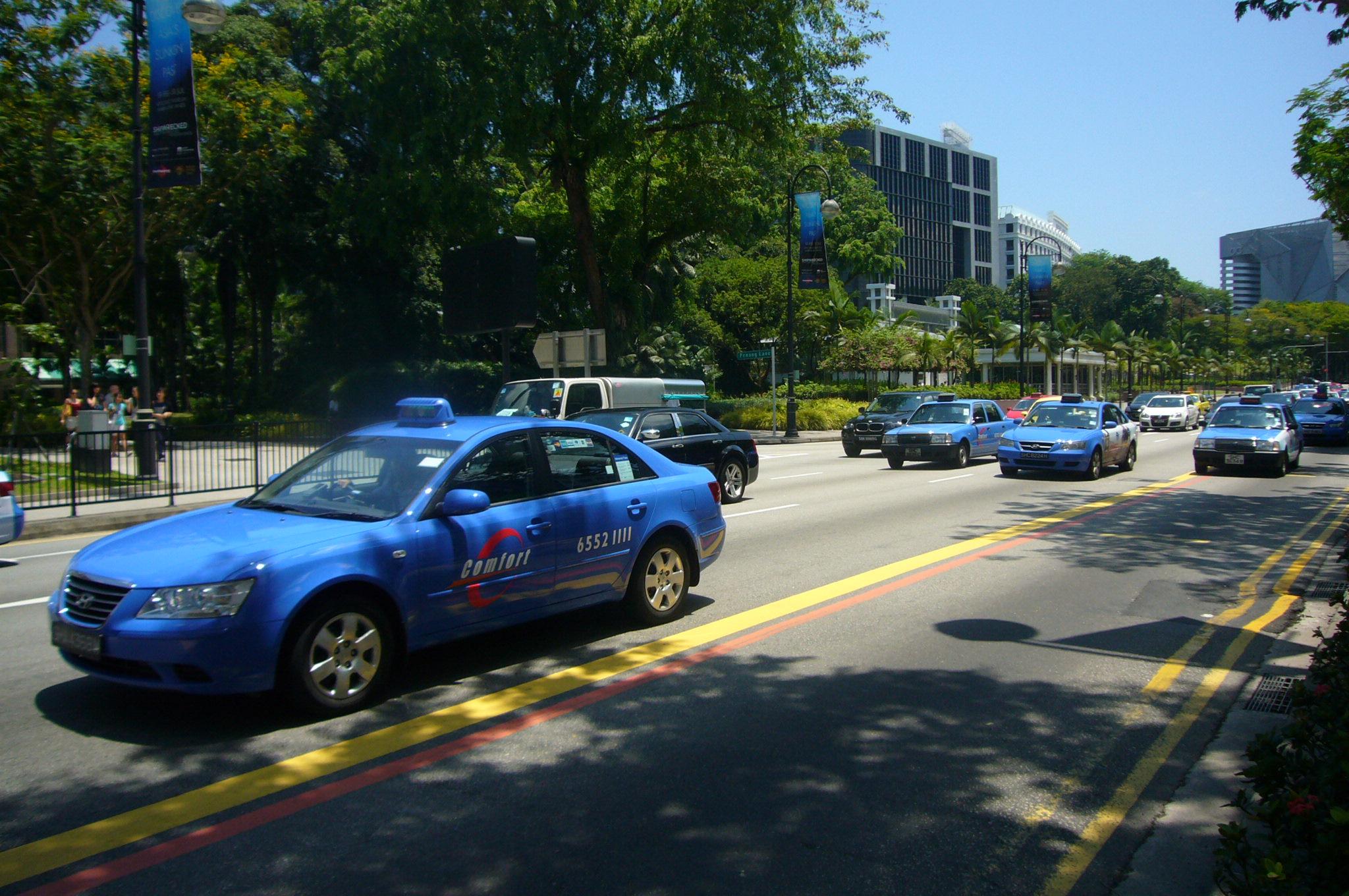 シンガポールのタクシーの乗り方は?料金・チップ・注意点などを解説!