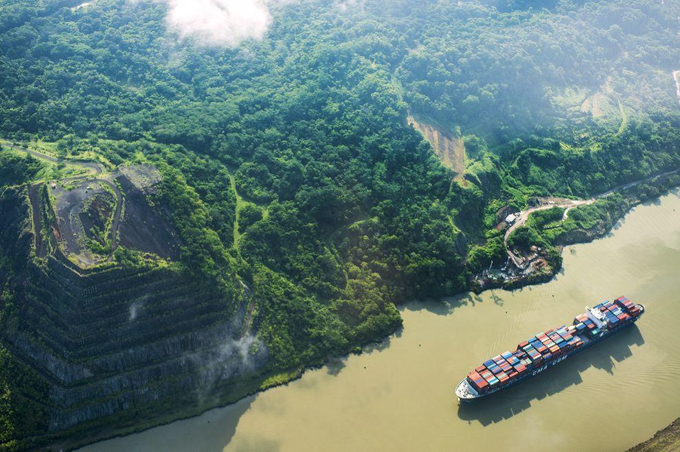 パナマ運河はおすすめ観光スポット!歴史や仕組みも調査!通行料は?