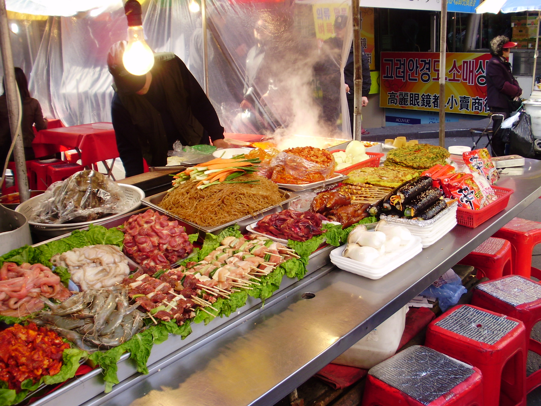 韓国のグルメ情報!食べ歩きも人気でおすすめ!屋台も楽しい!