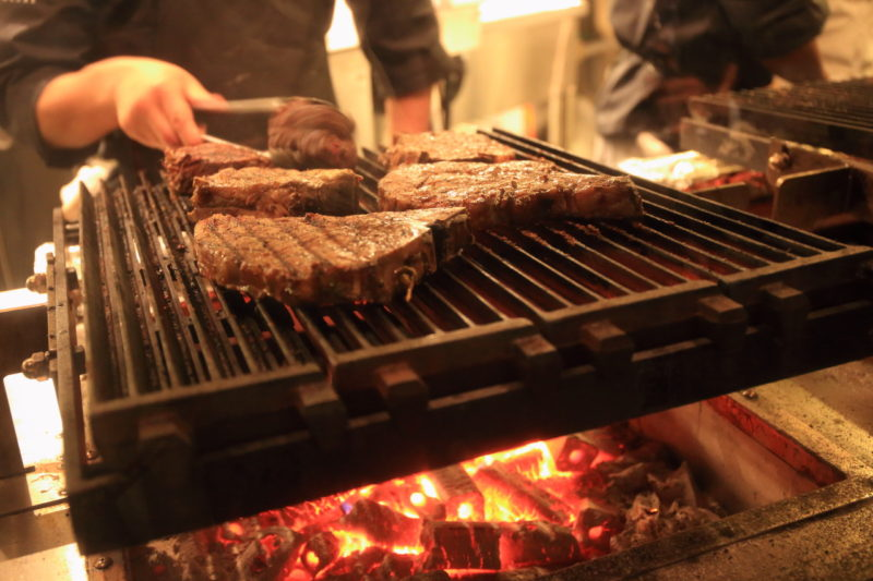アメリカのステーキハウス特集!現地で人気の焼き方や部位もご紹介!