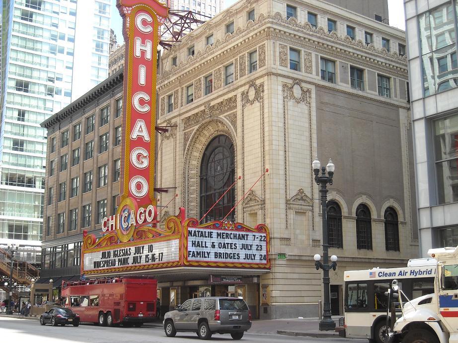 シカゴのグルメスポットをご紹介!人気のレストランやステーキハウスを網羅