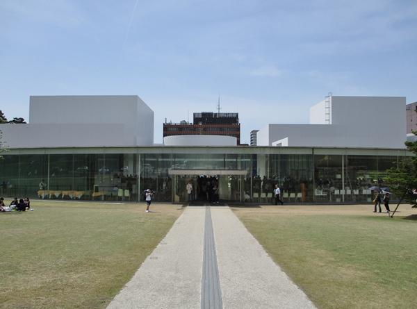 金沢21世紀美術館の駐車場事情!無料の施設や安い所もあり?おすすめは?