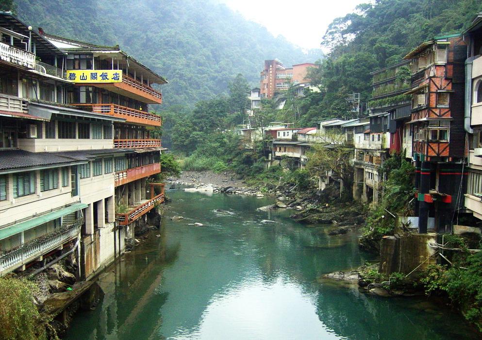 烏來(ウーライ)観光は夜市と夜景が人気!ホテルや人気のマッサージも紹介!
