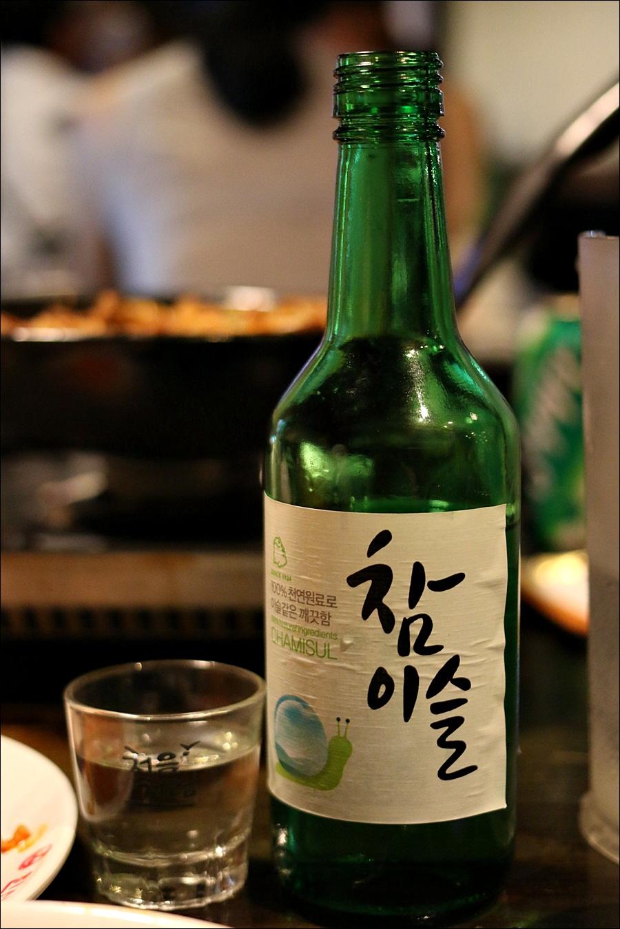 韓国の焼酎(ソジュ)特集!原料や度数は?種類は多い?チャミスルが有名!