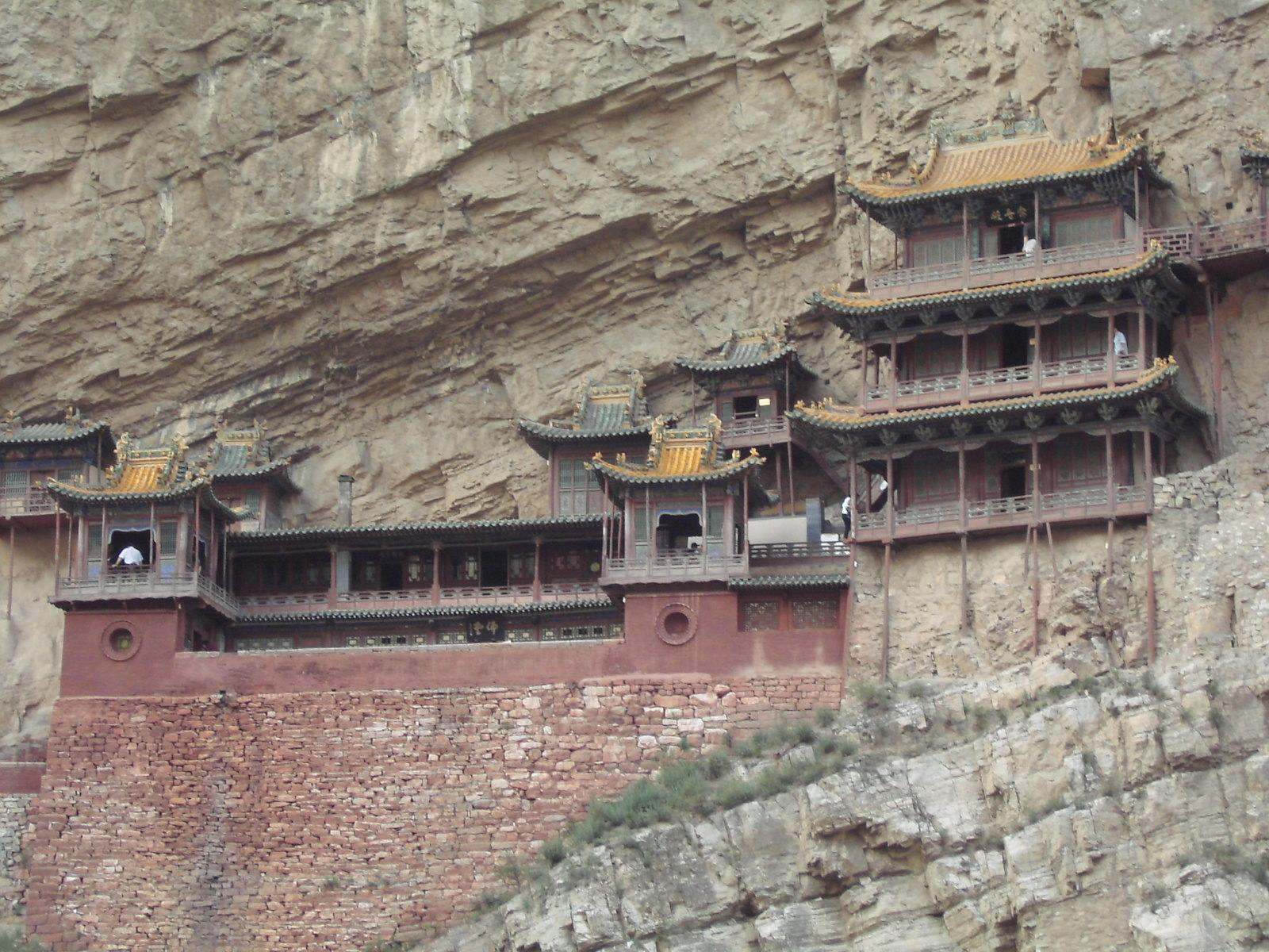 懸空寺(中国)行き方は?断崖絶壁にある世界遺産は迫力の寺院!