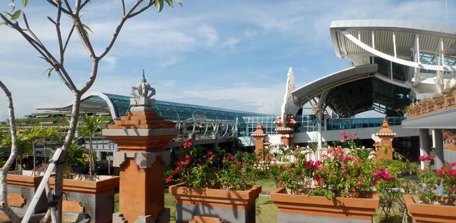 バリ島のデンパサール空港ではお土産や食事・スパが人気!周辺のホテルも!