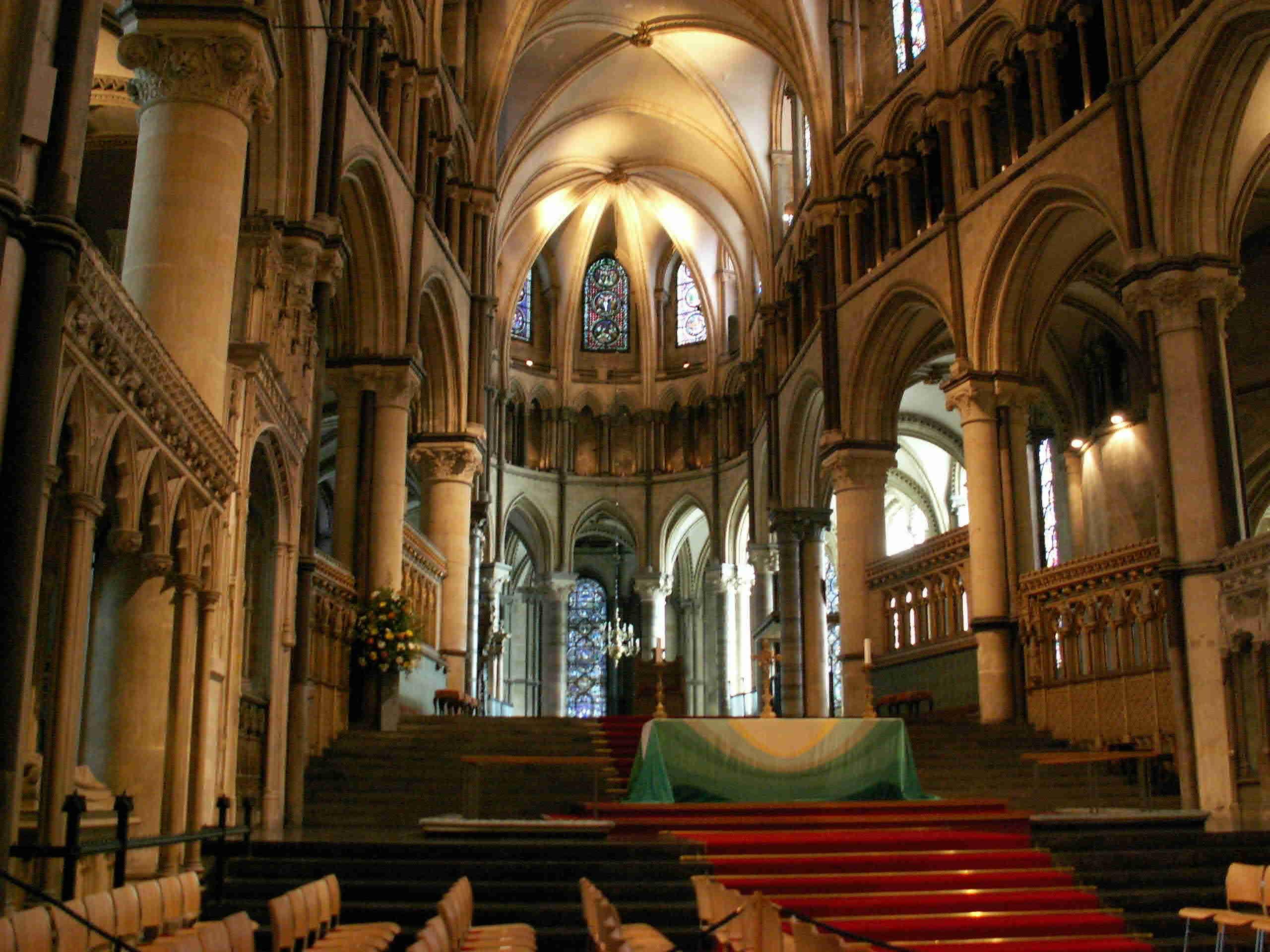 カンタベリー大聖堂見どころ!イギリス観光で外せない!周辺スポットもご紹介!