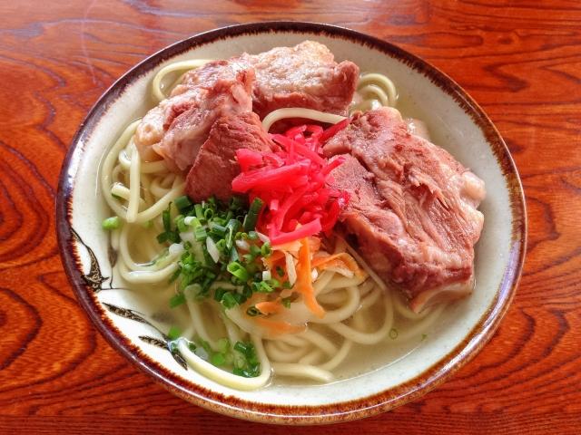 沖縄そばを国際通りで食べよう!おすすめの人気店や営業時間を一挙紹介
