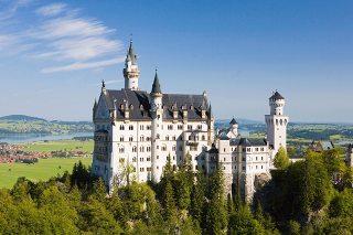 ノイシュバンシュタイン城はシンデレラの世界!気になる内部や行き方など紹介!