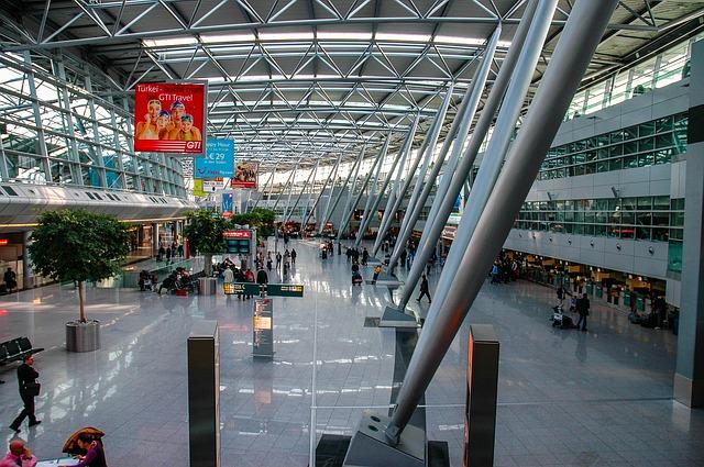 デュッセルドルフ空港はラウンジや免税店でお土産などおすすめの過ごし方紹介!