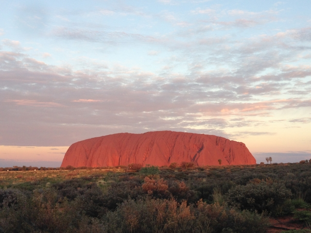 エアーズロック観光!オーストラリアの世界遺産!登山も可能?