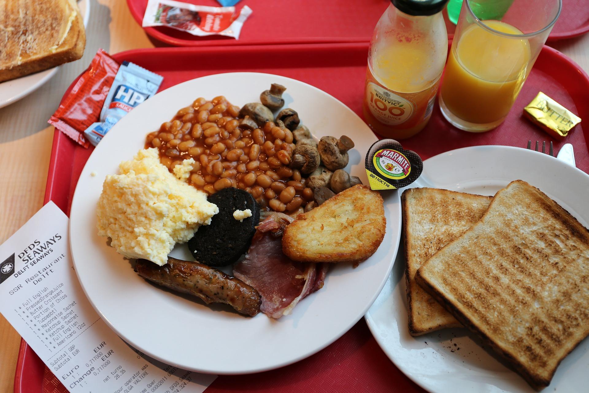 スターゲイザーパイはまずいって本当?不思議なイギリス料理を大紹介!