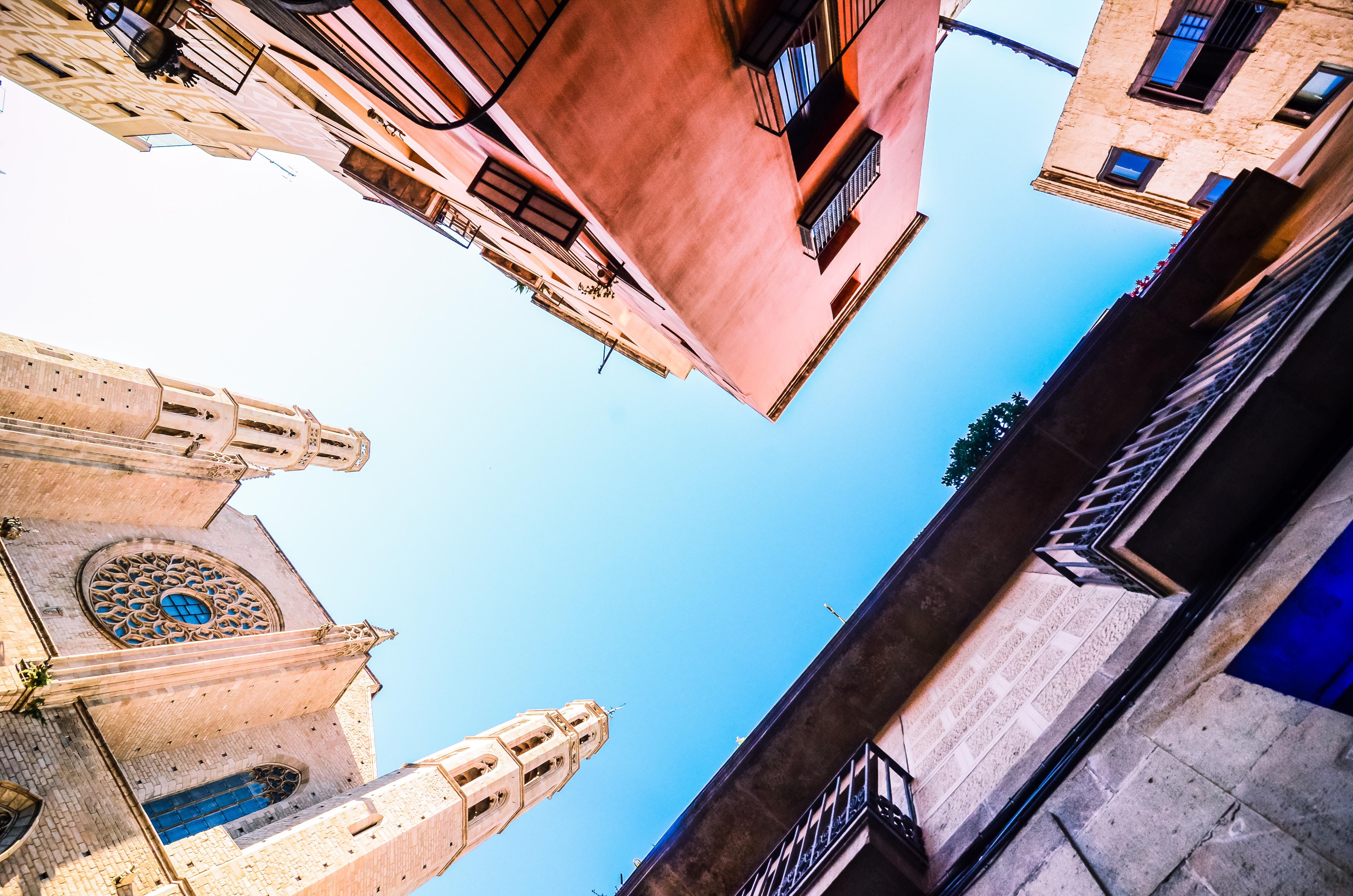 カサ・バトリョはガウディの傑作建築!観光スポット!予約して混雑解消!