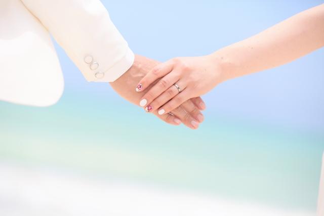 グアムの結婚式・挙式・新婚旅行の費用は?参列者の服装は何が良い?