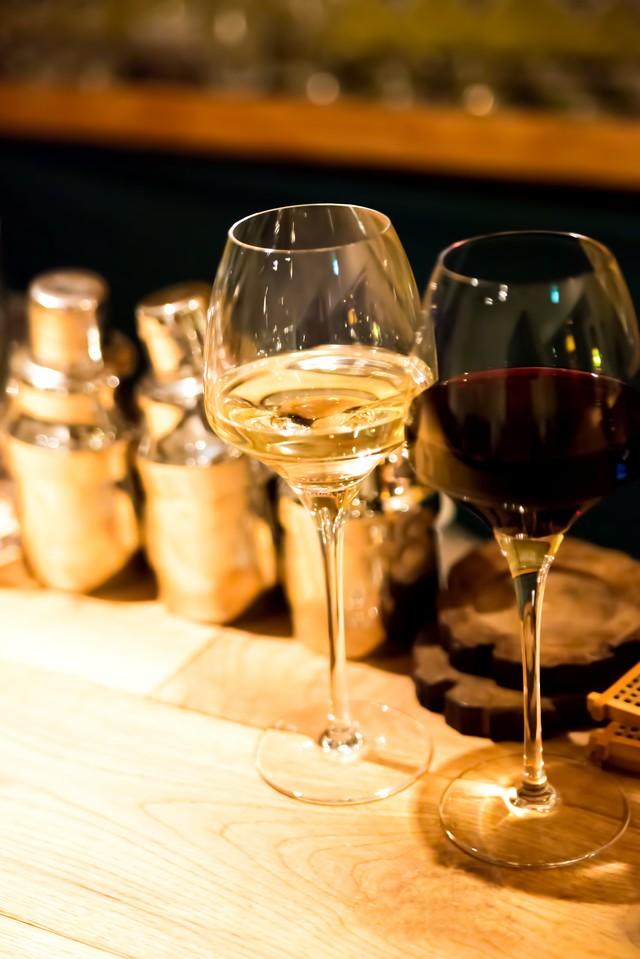 スペインワインの特徴は?ワイナリーへ観光ツアー!有名産地で手軽に試飲!