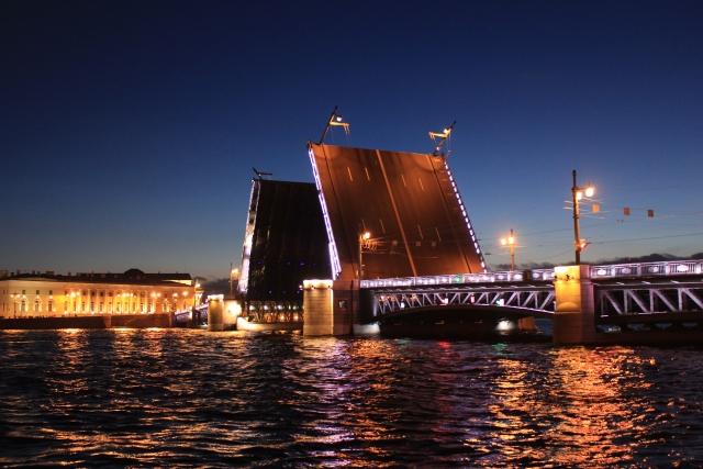 サンクトペテルブルク観光旅行の見所!美術館は世界遺産!治安は?