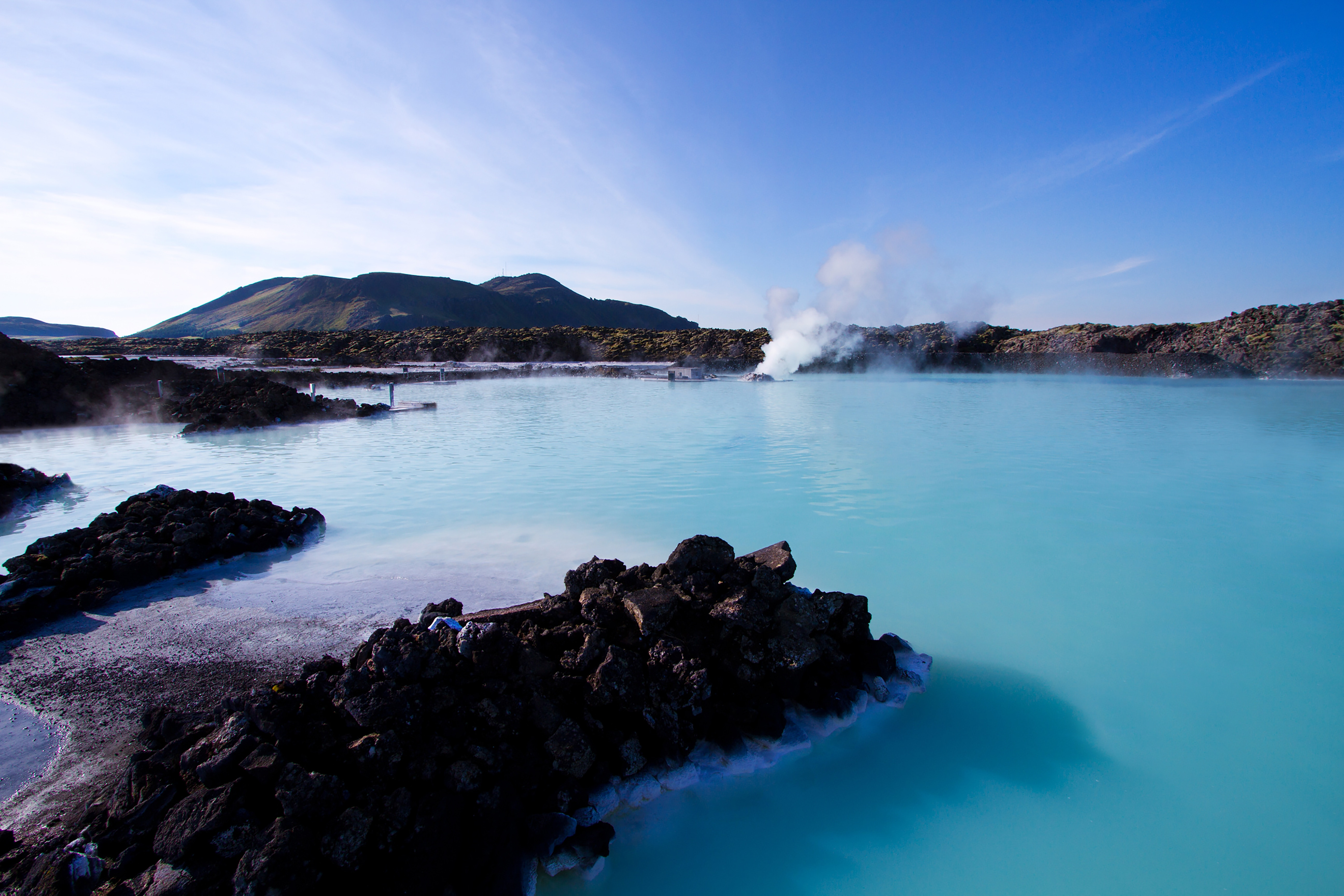 ブルーラグーンはアイスランドの温泉観光地!世界最大の露天風呂を満喫