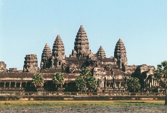 カンボジアの世界遺産!アンコールワットとプレアヴィヒアの楽しみ方!