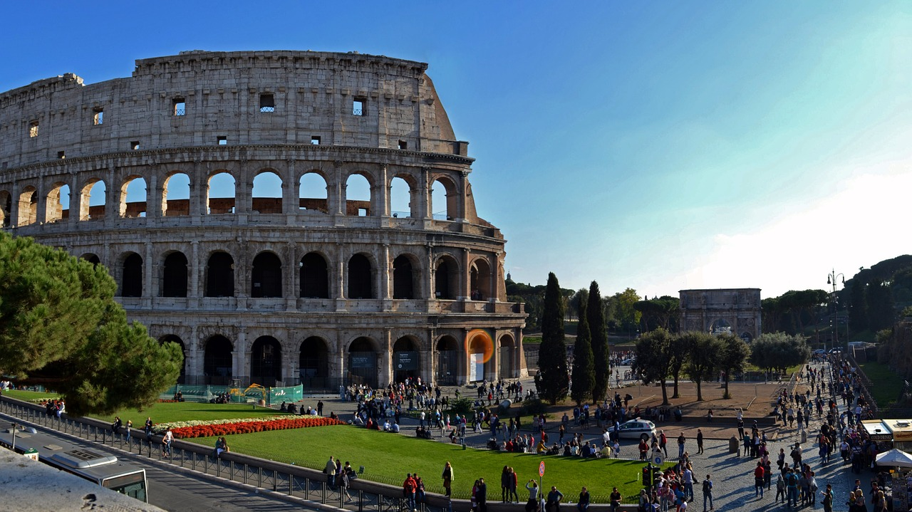 コロッセオの歴史!残酷な地下競技もあった!チケットの予約方法は?