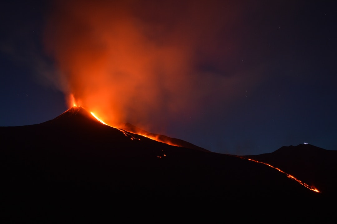 ハワイ火山国立公園は必見!キラウエア火山に行く時の服装は?閉鎖道も多い?