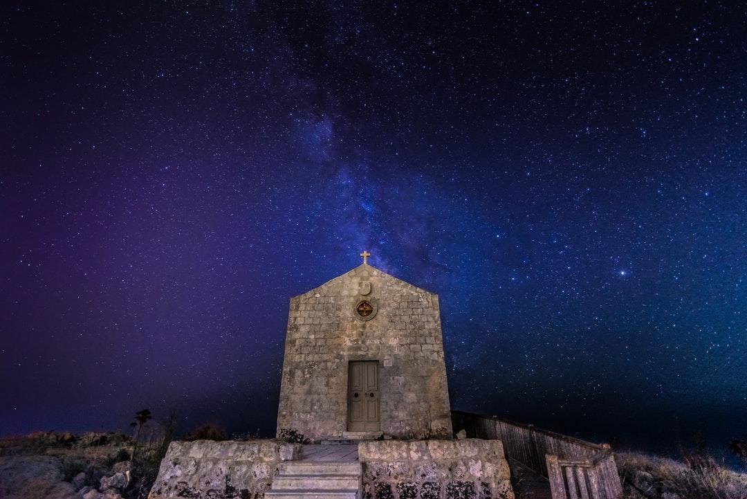 マルタ観光旅行の見所!謎の古代遺跡は世界遺産!猫好きにはたまらない!