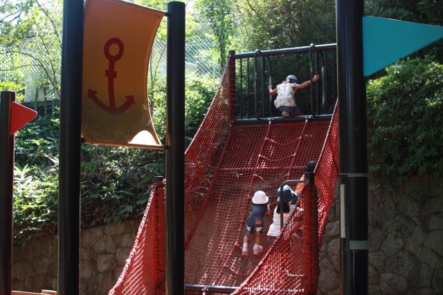 兵庫県の公園おすすめランキング!沢山の遊具や水遊びで思いっきり楽しもう!