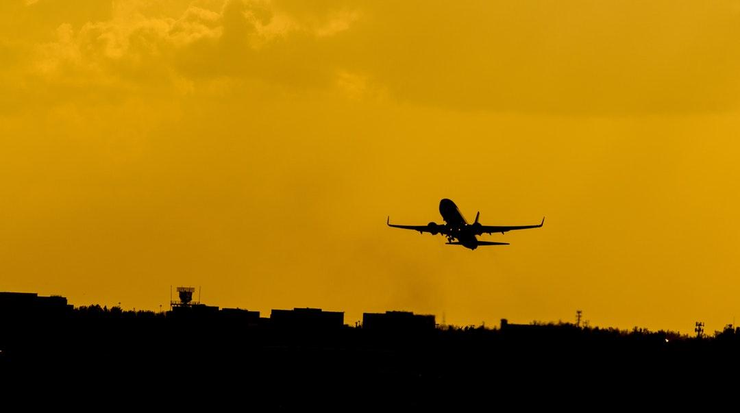 ハワイの空港からホテルへの移動方法!シャトルバスが便利?手配の仕方は?