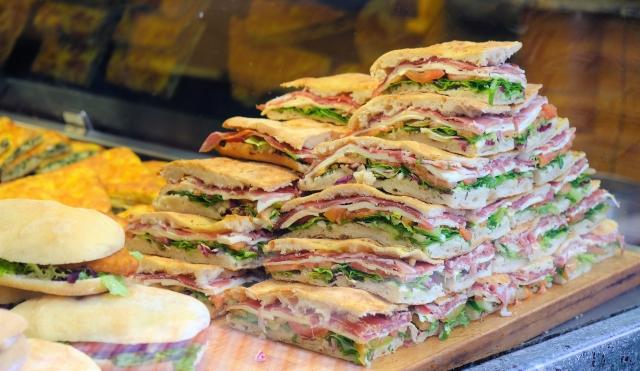 イタリアのパンの種類や特徴まとめ!フォカッチャやロゼッタは有名!
