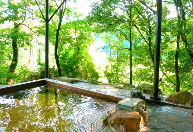 女子一人旅でも安心!国内の温泉宿おすすめ9選!のんびり気分を味わおう!