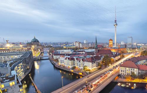 ブランデンブルク門はベルリンの定番観光スポット!歴史などを調査!