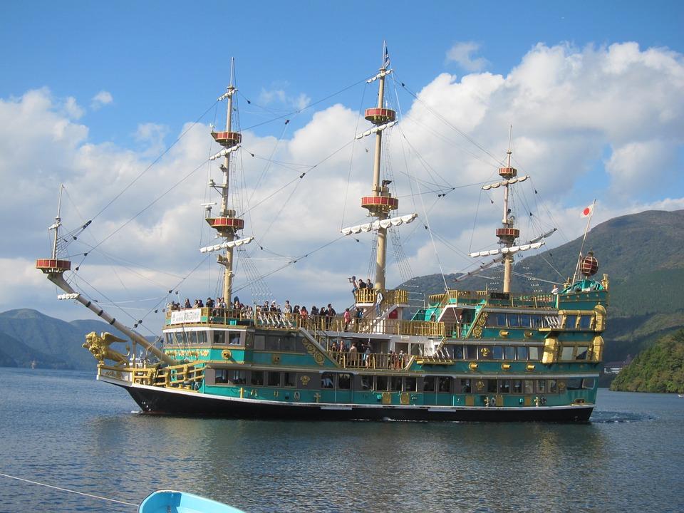芦ノ湖の海賊船の乗り場や料金は?おすすめの乗り方もご紹介!