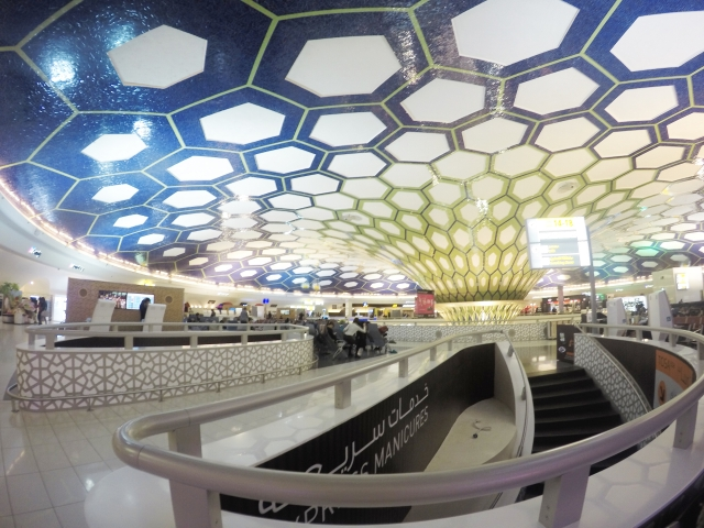 アブダビ国際空港特集!旅行やツアー・乗り継ぎにも便利な魅力に迫る!