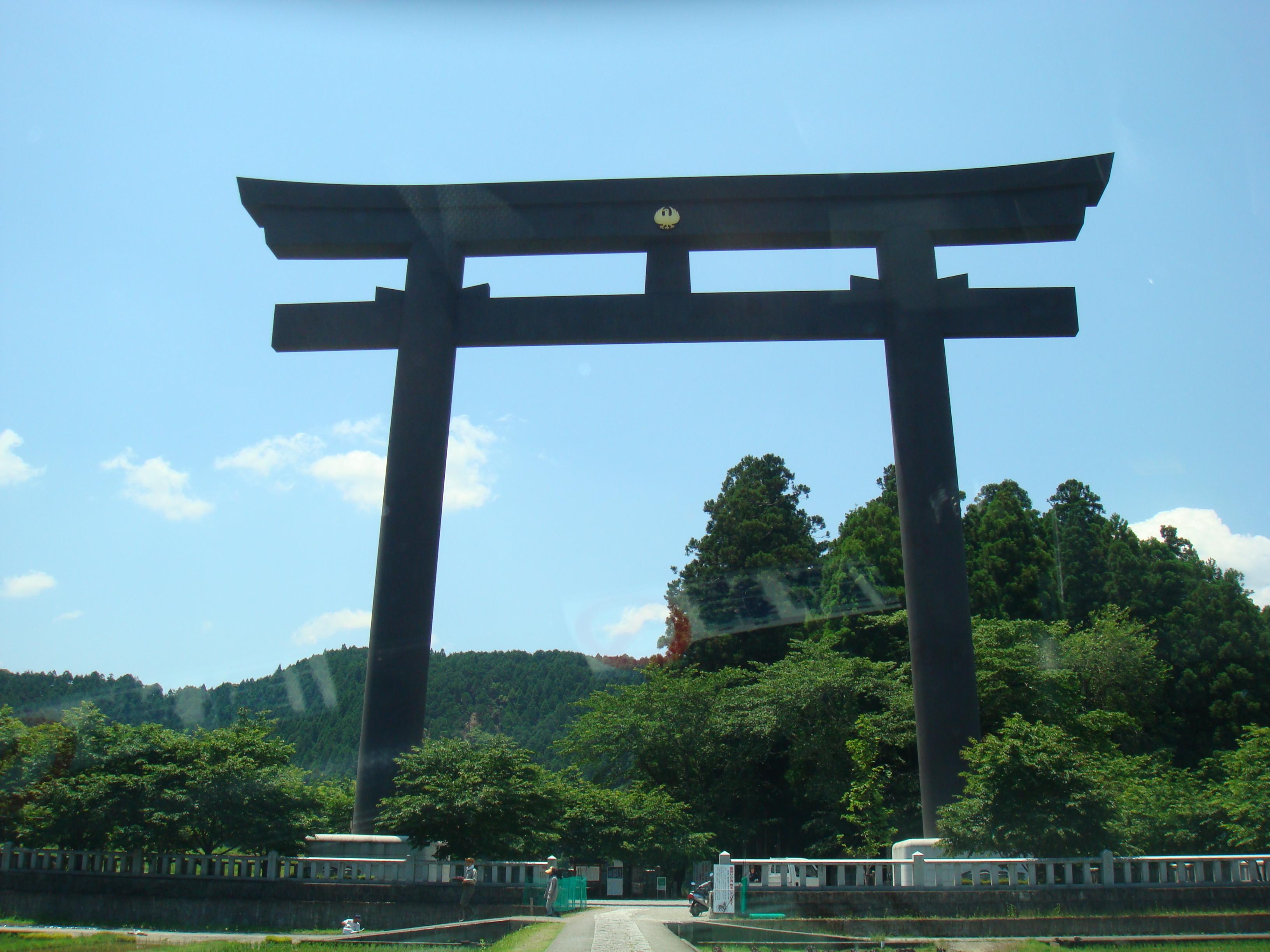 熊野本宮大社のパワースポットは?アクセスや宿泊先に人気のランチ・グルメを紹介